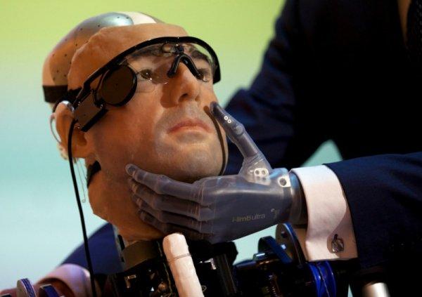 Будущее совсем близко: «Рекс» - первый в мире «бионический человек»